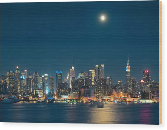Moon Rise Manhattan Wood Print