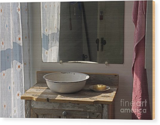 Morning Toilette Wood Print