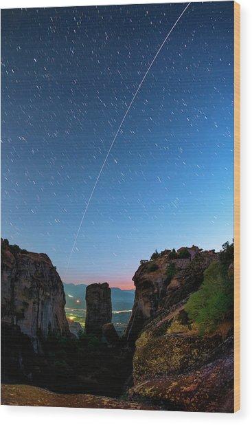 Night Sky Over Meteora Wood Print by Babak Tafreshi