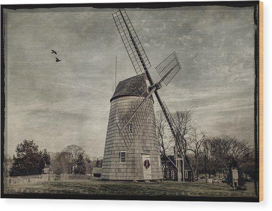 Old Hook Windmill Wood Print