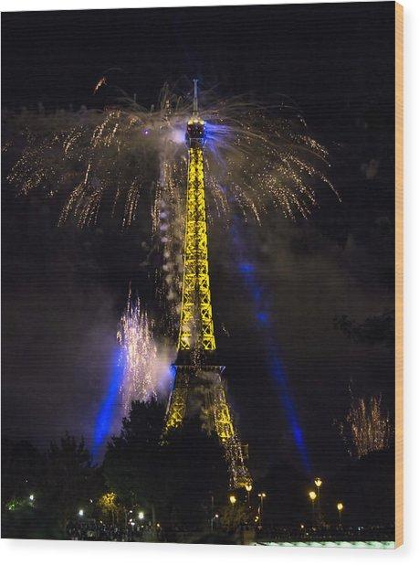 Paris - July Famous Fireworks Near Eiffel Tower During Celeb Wood Print
