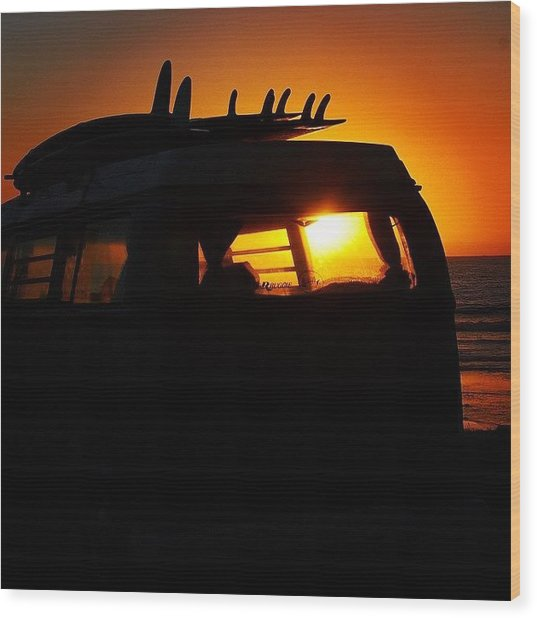 Vw Bus At Sunset Wood Print