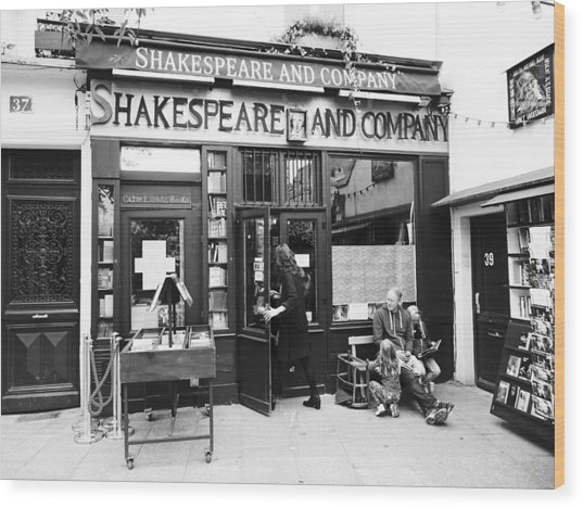 Shakespeare And Company Bookstore In Paris France Wood Print