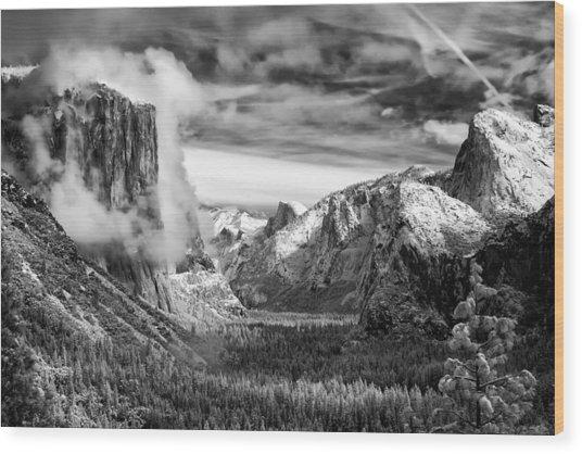 Tunnel View In Yosemite Wood Print