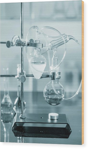 Chemistry Experiment In Lab Wood Print by Wladimir Bulgar