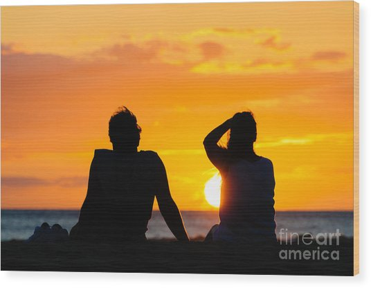 Couple Watching The Sunset On A Beach In Maui Hawaii Usa Wood Print