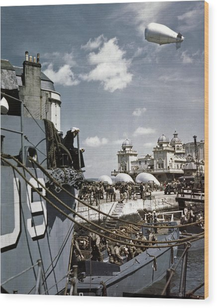 Wwii D-day, 1944 Wood Print by Granger