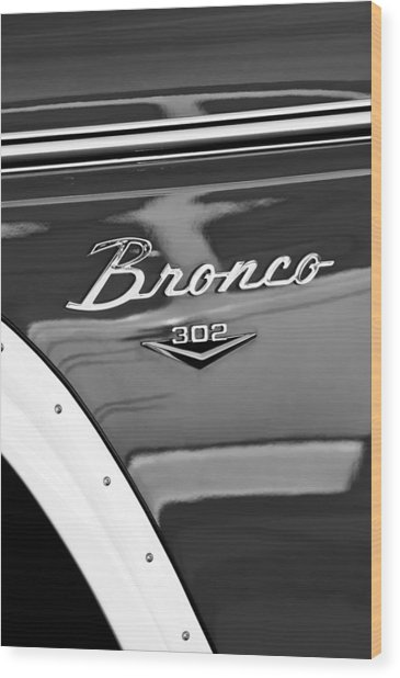 1972 Ford Bronco Emblem Wood Print