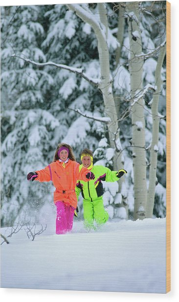 1990s Girl And Boy Running In The Snow Wood Print