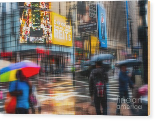 A Rainy Day In New York Wood Print