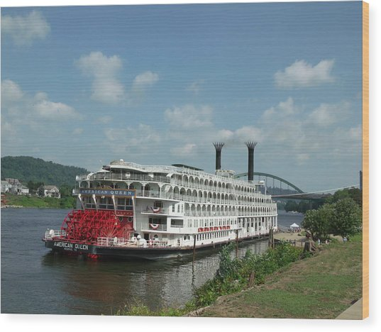 American Queen Wood Print by Willy  Nelson