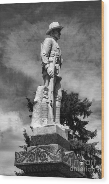 Braidwood  War Memorial Wood Print