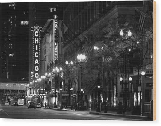 Chicago Theatre At Night Wood Print