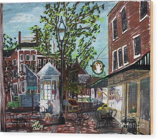 Coffee Break At Market Square Wood Print