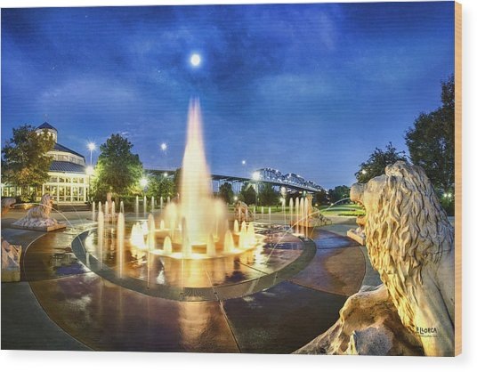 Coolidge Park Fountains At Night Wood Print