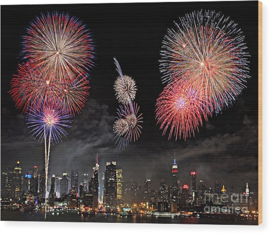 Fireworks Over New York City Wood Print