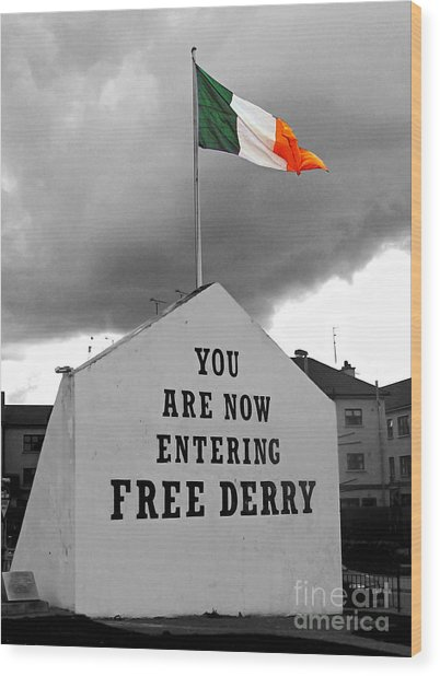 Free Derry Wall 1 Wood Print