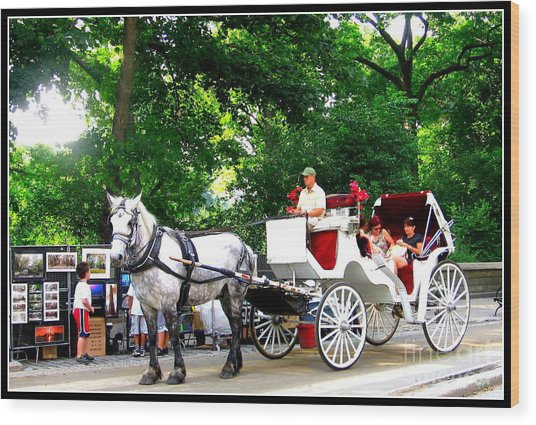 Horse And Carriage In Central Park Wood Print