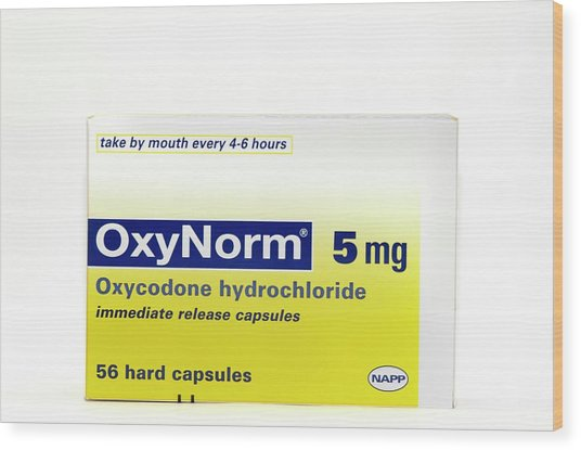 Pack Of Oxynorm Capsules Wood Print by Dr P. Marazzi/science Photo Library