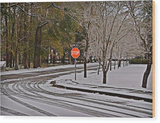 Snowy Street Wood Print by Linda Brown