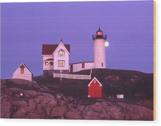 Cape Neddick Light Wood Print by Herbert Gatewood
