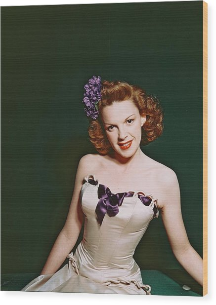 Judy Garland Wood Print by Silver Screen