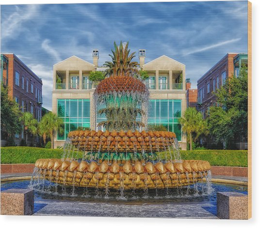 Pineapple Fountain - Morning At Waterfront Park Wood Print by Frank J Benz