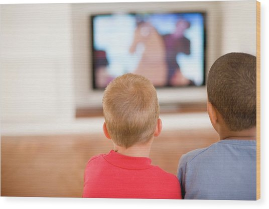 Children Watching Television Wood Print by Ian Hooton/science Photo Library
