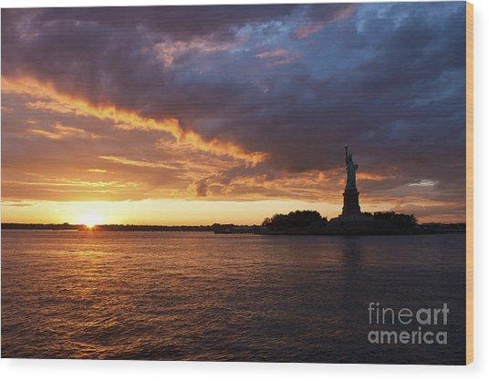 Glorious Sunset Over New York Wood Print
