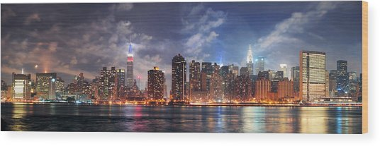 New York City Manhattan Midtown At Dusk Wood Print