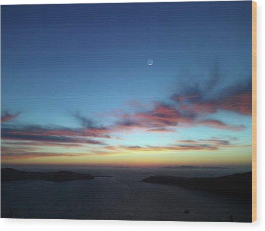 Crescent Moon In Cloudy Sky Wood Print by Detlev Van Ravenswaay