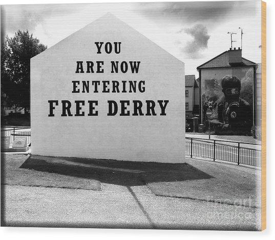 Free Derry Corner 5 Wood Print