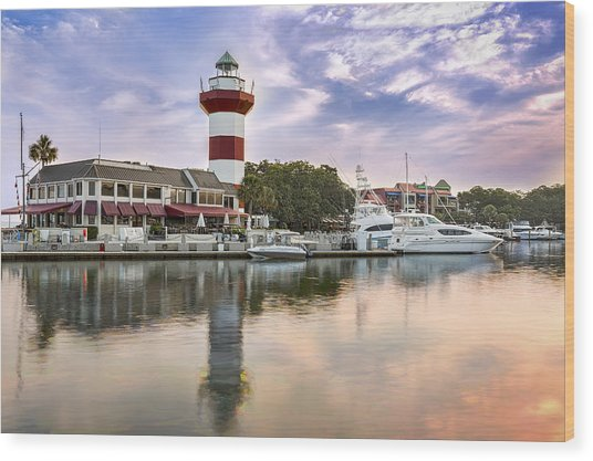 Lighthouse On Hilton Head Island Wood Print