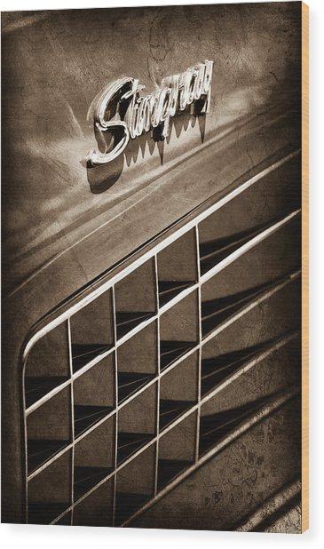 1972 Chevrolet Corvette Stingray Emblem Wood Print