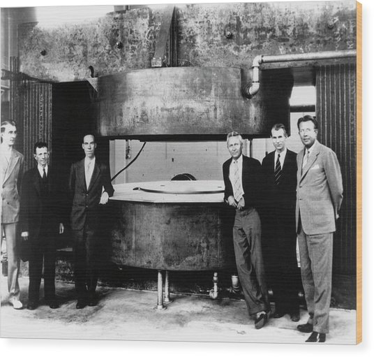 60-inch Cyclotron And Nuclear Physicists Wood Print