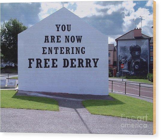 Free Derry Corner 4 Wood Print