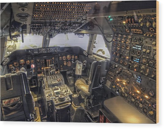 747 Cockpit Wood Print