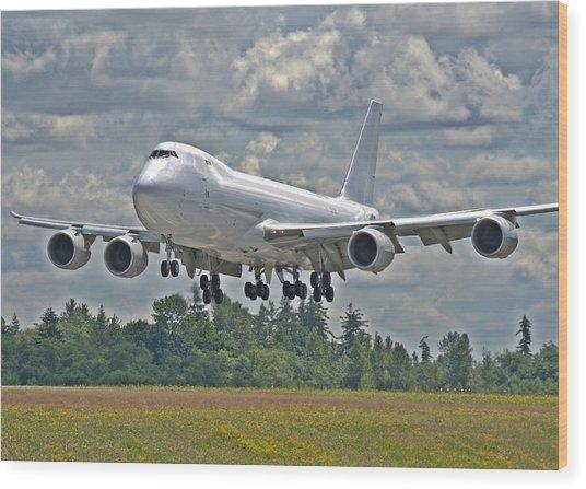 747 Landing Wood Print