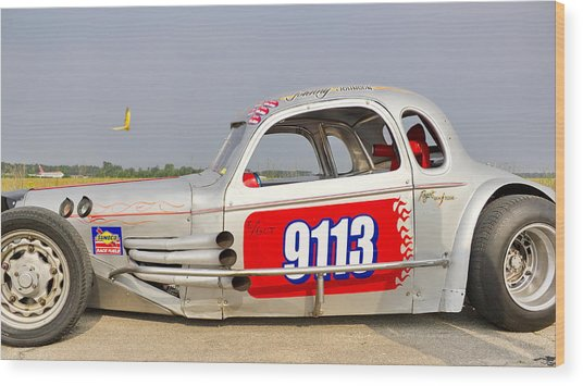 9113 Silver On The Line Wood Print