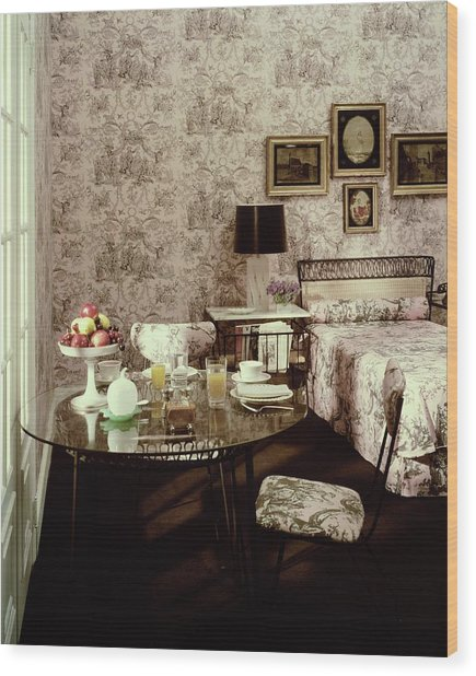 A Bedroom With Matching Wallpaper Wood Print