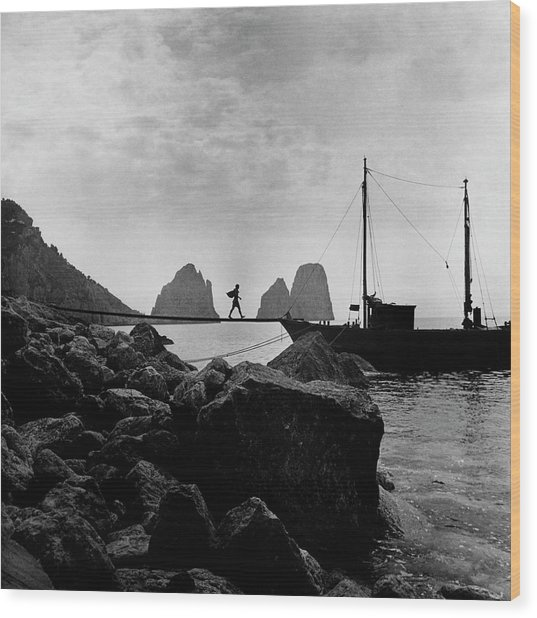 A Boat Docked At Capri Wood Print