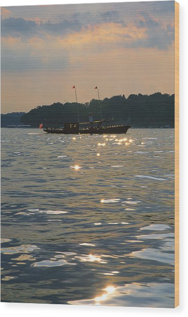 A Glint Of Glory - Lake Geneva Wisconsin Wood Print