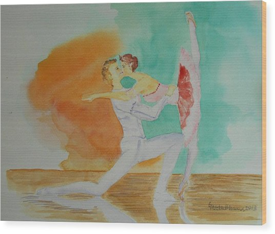 A Kiss In Ballet  Wood Print