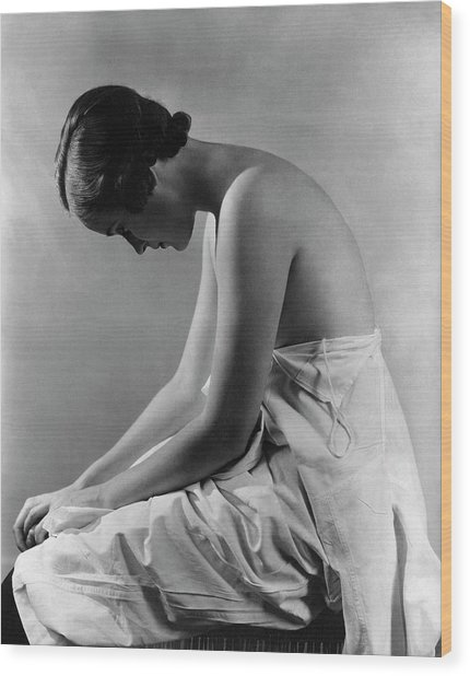 A Model With Her Eyes Closed Wood Print by Lusha Nelson