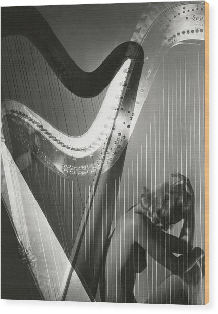 A Nude Portrait Of Lisa Fonssagrives Wood Print by Horst P. Horst