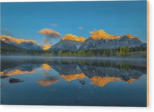 A Perfect Morning In Canadian Rockies Wood Print by Michael Zheng