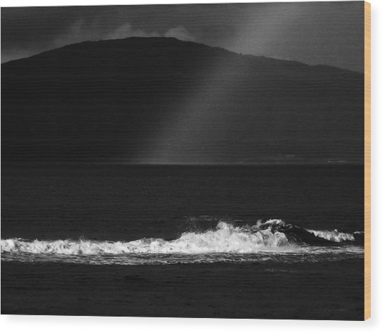 A Quiet Wave Wood Print