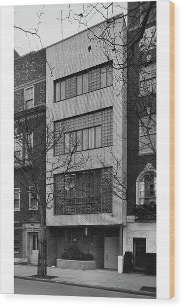 A Townhouse Designed By William Lescaze Wood Print