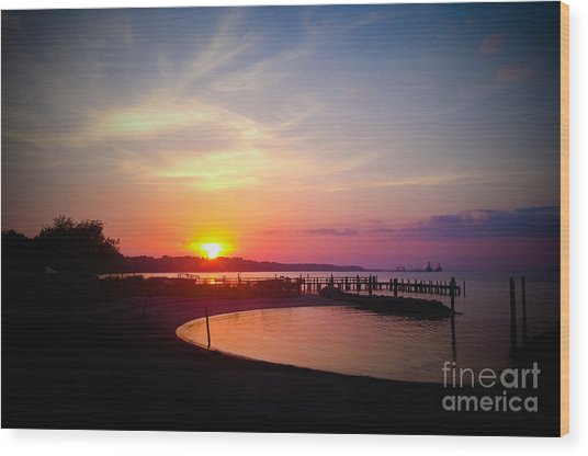 A Yorktown Sunset Wood Print