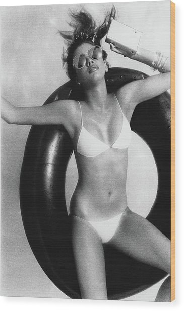 Debbie Dickinson Floating On An Inner Tube Wood Print